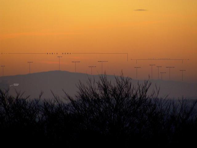 widok-na-babia-gore-i-tatry-zachodnie-z-dachu-bloku-wojciecha-43-43d-katowice-giszowiec