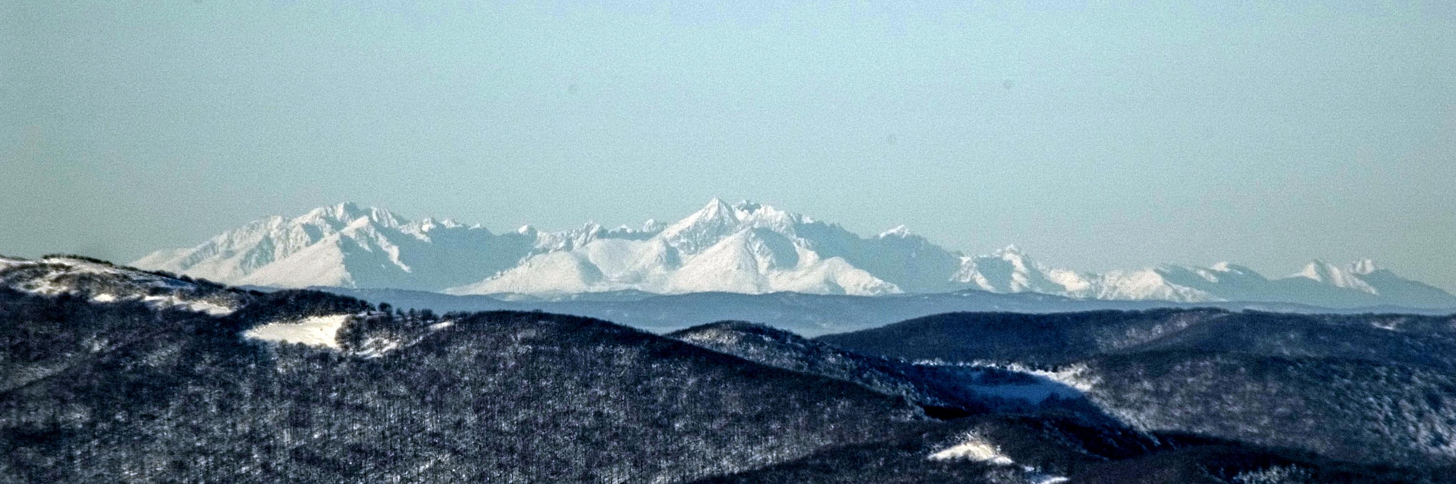Widok Na Tatry Wysokie I Bielskie Z Połoniny Wetlińskiej Dalekie Obserwacje